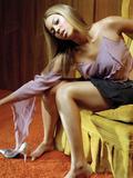 http://img195.imagevenue.com/loc1011/th_73879_Beyonce_10_122_1011lo.jpg