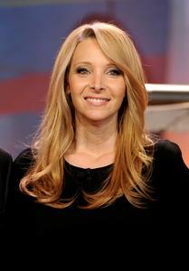 Лиса Кудроу, фото 3. Lisa Kudrow The Tonight Show with Jay Leno - July 05, 2011, photo 3
