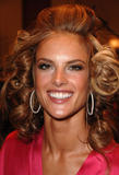 th_97123_fashiongallery_VSShow08_Backstage_AlessandraAmbrosio-59_122_139lo.jpg