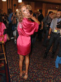 th_96643_fashiongallery_VSShow08_Backstage_AlessandraAmbrosio-20_122_40lo.jpg