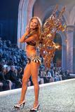 th_98633_Victoria_Secret_Celebrity_City_2007_FS424_123_50lo.jpg
