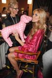 th_25263_fashiongallery_VSShow08_Backstage_HeidiKlum-11_122_570lo.jpg