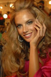 th_96523_fashiongallery_VSShow08_Backstage_AlessandraAmbrosio-12_122_593lo.jpg